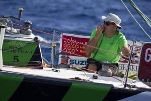 Photo du navigateur Gildas Morvan à bord de son bateau